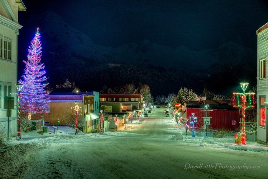 Christmas Tree Lighting & Holiday Kick-off